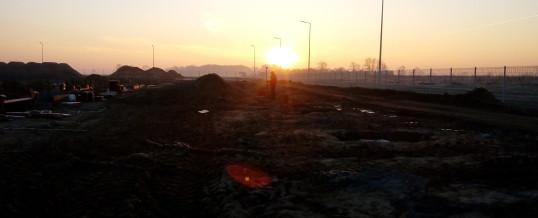 Hala w Rabowicach – rozpoczęcie prac luty 2016, wschód Słońca
